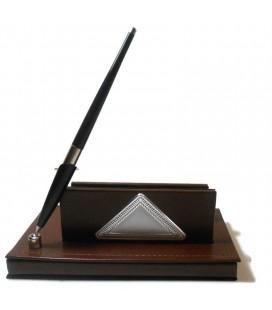 Δερμάτινη Καρτοθήκη με στυλό και ασημένιο πλακάκι